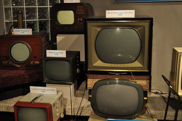 Multiscreen television? - Historical TV sets