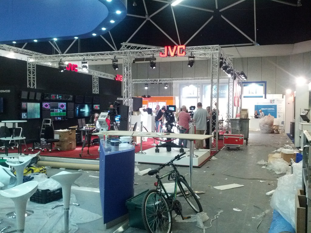 Building the JVC stand - Exhibition IBC 2012 Amsterdam
